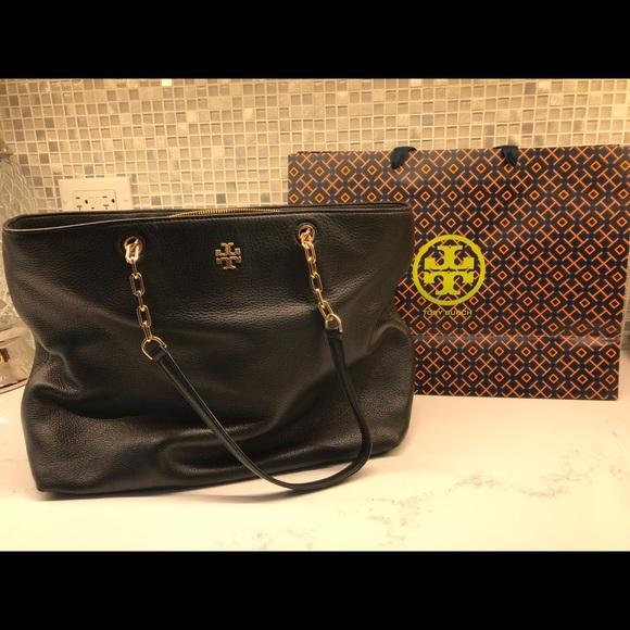 5dd5c629c8b4 Tory Burch Mercer Shiraz Leather Tote Handbag. M 5b216ee0aaa5b8878faeb180